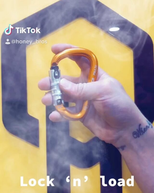 Rock Exotica have produced carabiners with downward twisting sleeves for years but now they have released the new UP-LOCK series of carabiners. ☠️    Triple-action security with an upward twisting sleeve for those who prefer that movement.    Available now in RockO, RockD, & Pirate carabiners.     #uplock #rockexotica #honeybrothers