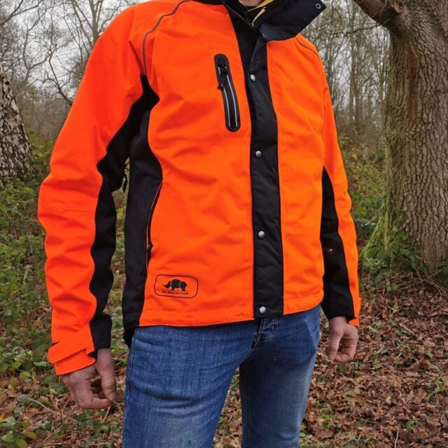 The SIP Protection KEIU Rain Jacket is fully waterproof and perfect for keeping you dry while working.#honeybrothers #sipprotection #waterproofjacket #arb #arborist #arblife #arbsupplier #treesurgeon